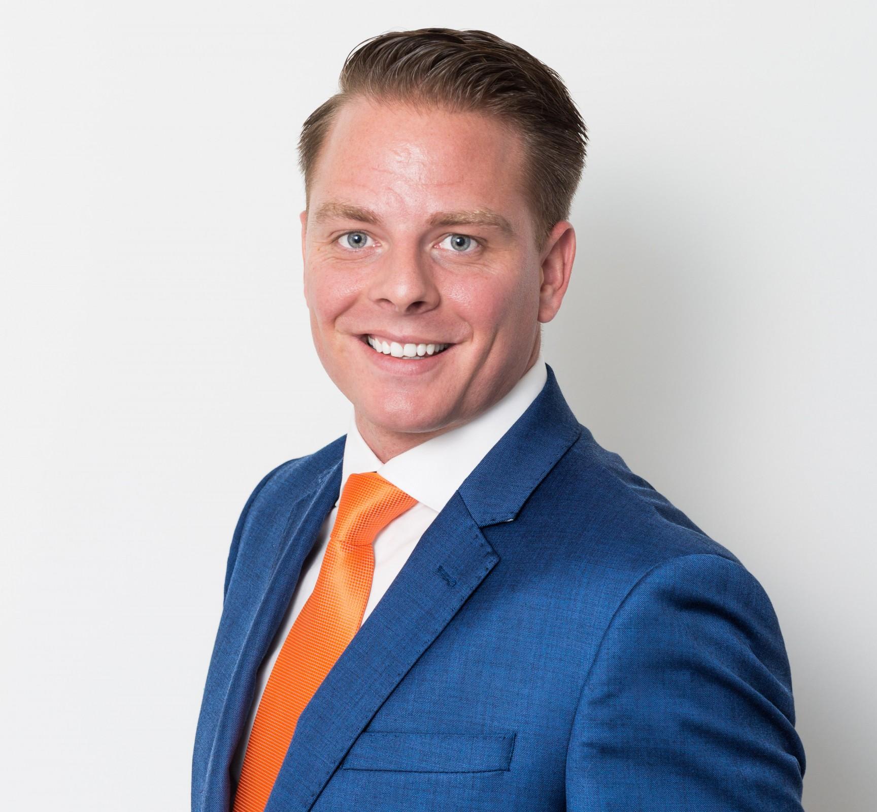 Maikel Dijkhuis Eigenaar Solide Intermediair 036-8413791 06-29362524 m.dijkhuis@solideintermediair.nl Solide Intermediair is een arbeidsbemiddelingsbureau gespecialiseerd voor elk niveau en vakgebied zowel voor flexibele als vaste banen te Almere.